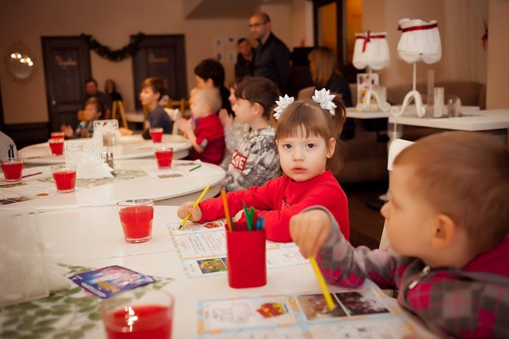 Новогодний праздник для детей сотрудников